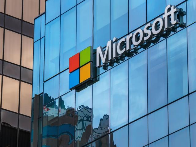 Can Microsoft's share price hit a new record high?
