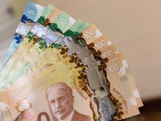 Loonie catching up; Pound hits 5-month high