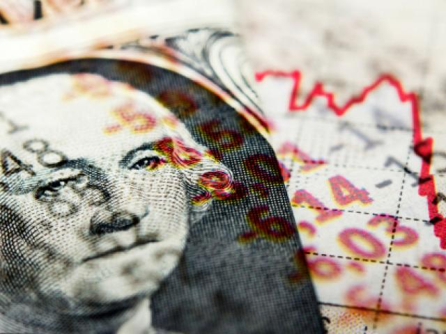 Risk appetite fades on growth fears; Dollar soars to 2019 high