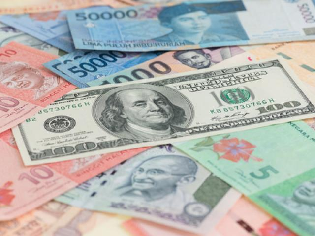 Emerging markets currencies in the crosshairs