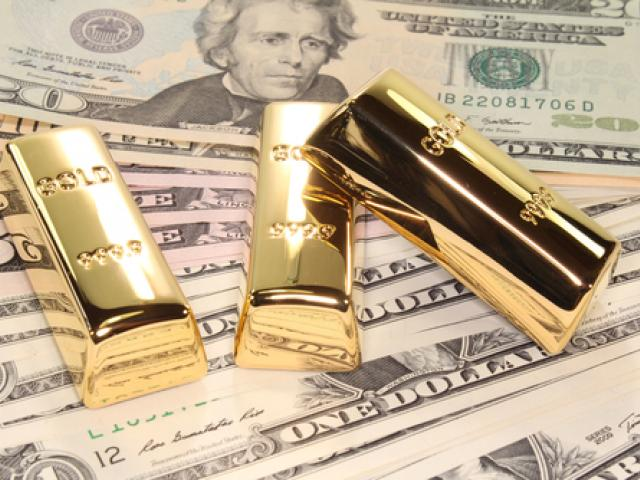 Gold shines into weekend; Dollar slips while Pound yawns