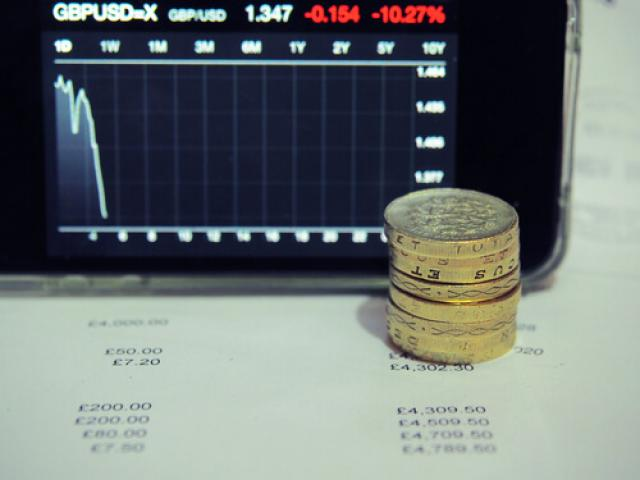 Pound crumbles as UK inflation fails to rise, Gold dims