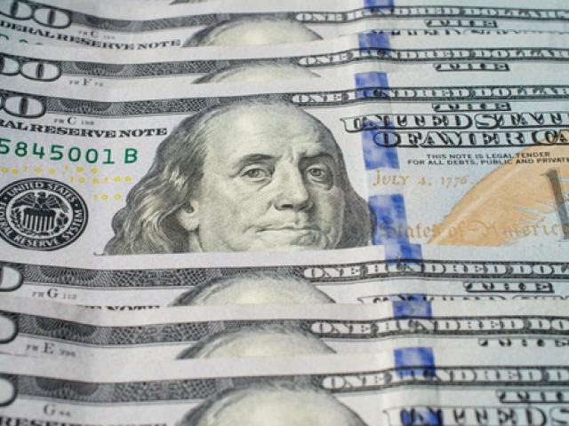 Technical Outlook: Dollar Smirks On Stimulus Delay