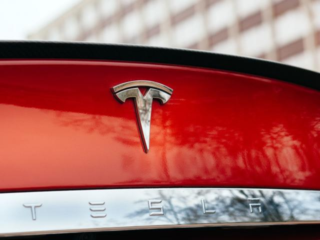Earnings Preview: Tesla in focus