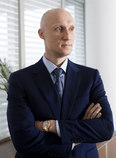 Mr. Andrey Dashin, Shareholder