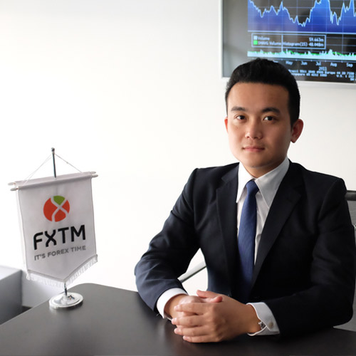 Yue Zhong, Market Analyst